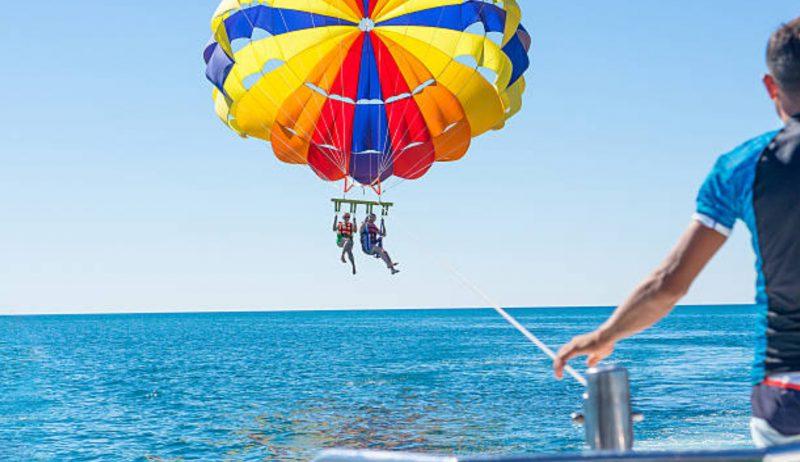 parasailing Maui