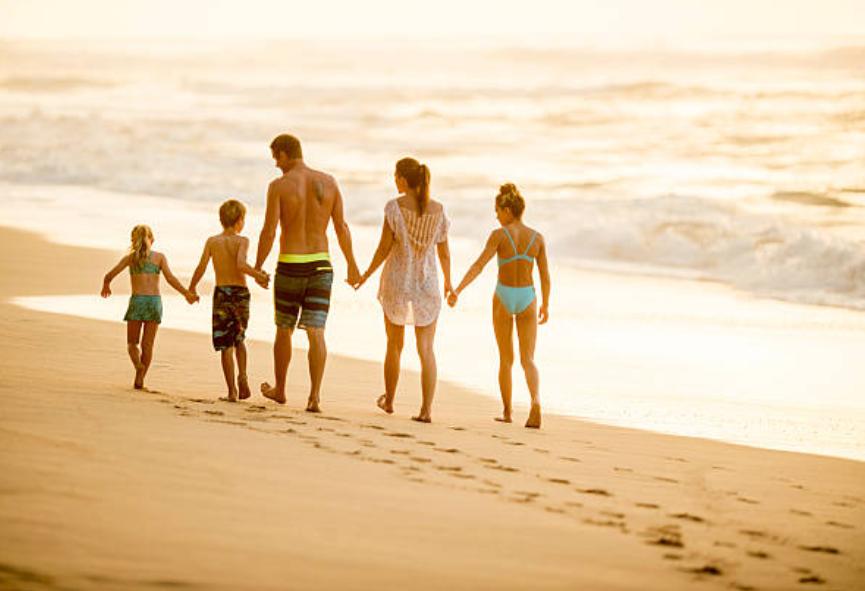 Maui family on beach